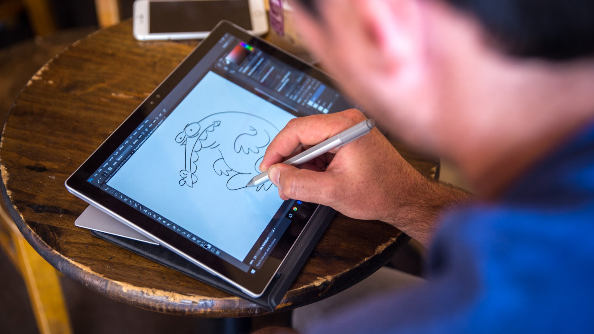 Microsoft Surface PRO 4 с покана към креативно ориентираните личности!