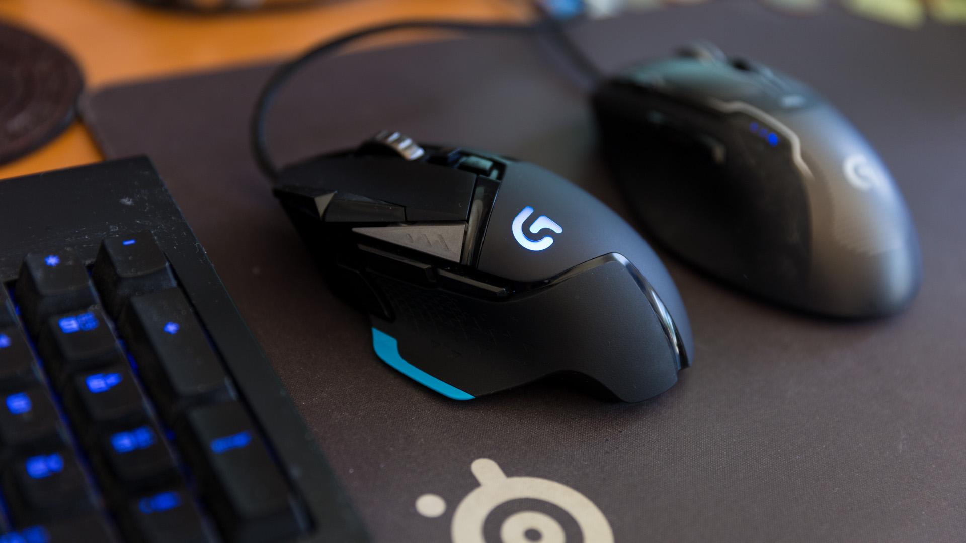 Най-бързата универсална геймърска мишка Logitech g502