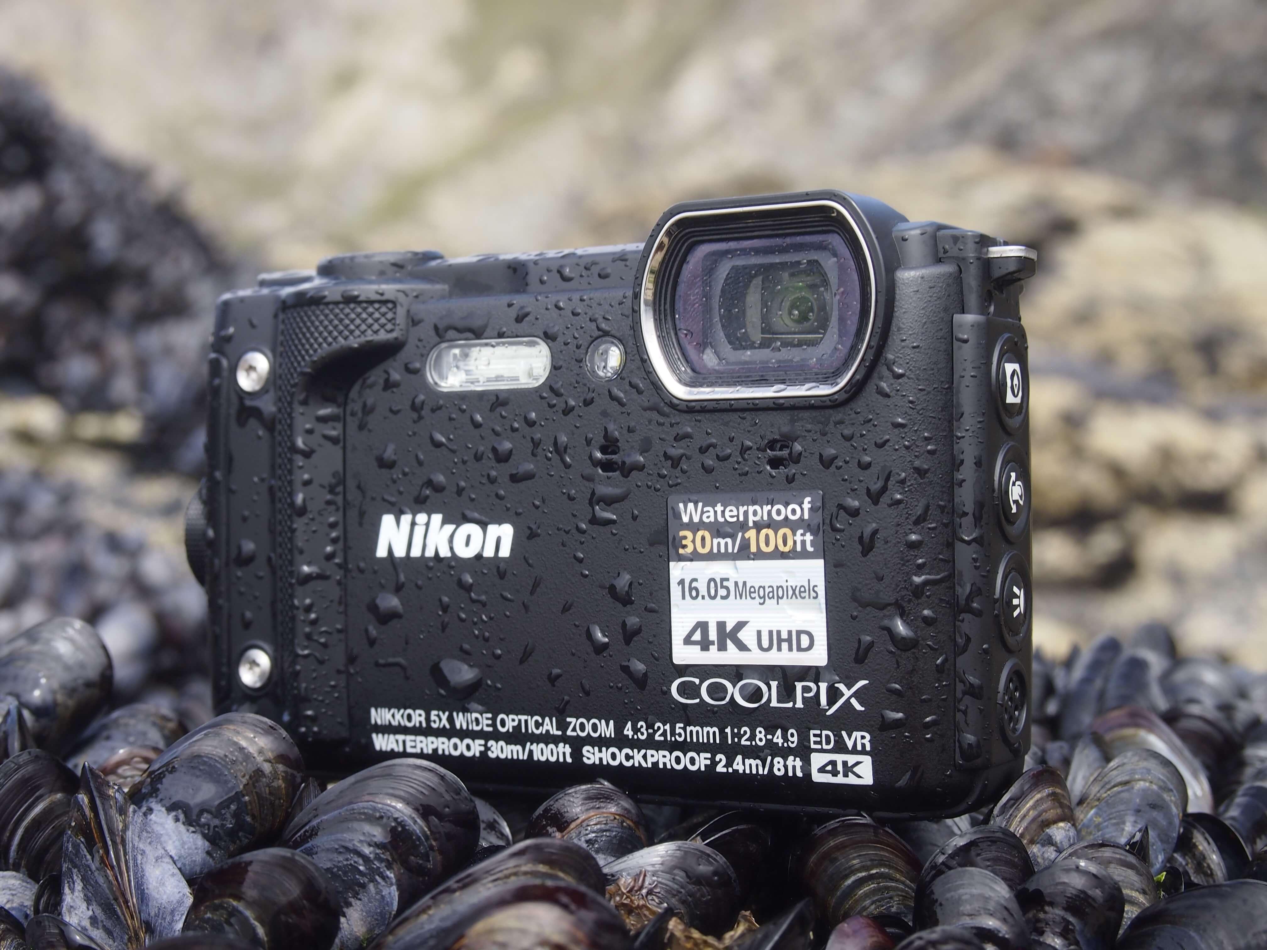 Интелигентни решения за истински приключения: Nikon COOLPIX W300
